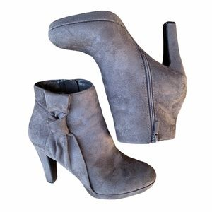 Gray Booties with side bow